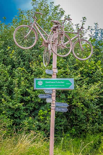 This is the photo responsible for my great adventure. Karnischer cycle path R3