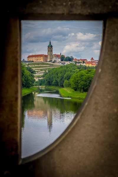 The city of Mělníck as  seen through a bridge as we made our way towards Prague.